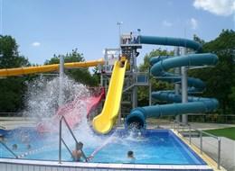 Bükfürdő, hotel Repce Gold a termální lázně, 4denní pobyty 2021  Maďarsko - Zadunají - Bükfürdő, termální lázně s 26 bazény o vodní ploše více než 5000 m2 a s četnými vodními atrakcemi