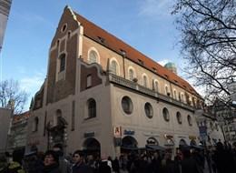 Po stopách Wittelsbachů a Mnichov 2020 Bavorsko Německo - Mnichov, jezuitský kostel sv.Michala, 1585-89