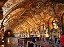 Mnichov a Bavorské Alpy vlakem 2021 Švýcarsko Německo - Mnichov, Rezidenz, Antický sál, arch. S.Zwitzel, k uložení vévodových antických sbírek