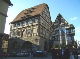 Bavorské Franky, perly UNESCO, Bamberg a festival Sandkerwa 2020  Německo - Rothenburg, hrázděné domy
