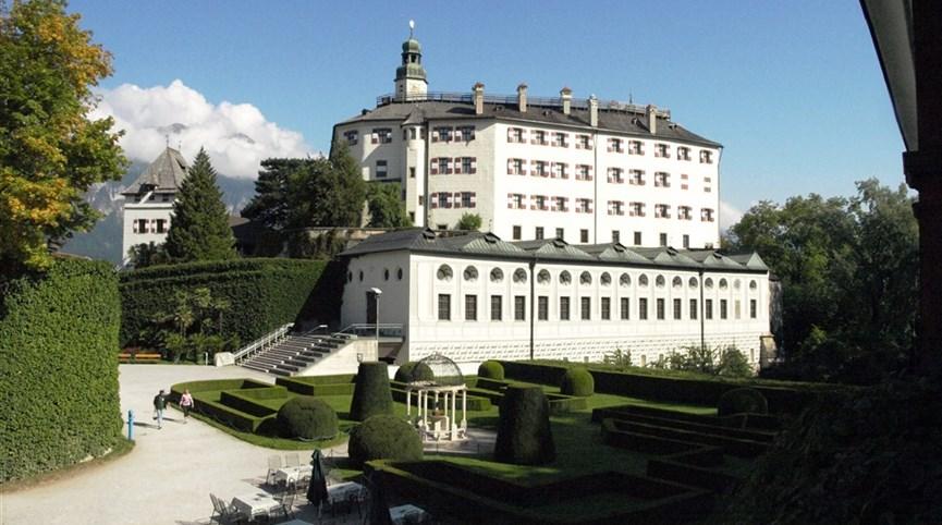 Za uměleckými i přírodními krásami Rakouska Rakousko - Insbruck - zámek Ambras arcivévody Ferdinanda