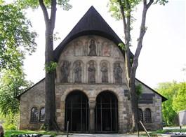 Advent v pohoří Harz s vláčkem a památky UNESCO 2020  Německo - Harz - Goslar - Domvorhalle, severní předsíň kostela sv.Šimona a Judy, vysvěcen 1051, 1819 zbourán až na tento objekt