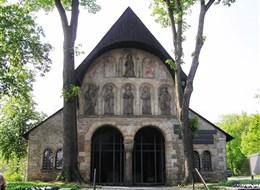 Advent v pohoří Harz s vláčkem a památky UNESCO 2020 Bavorsko Německo - Harz - Goslar - Domvorhalle, severní předsíň kostela sv.Šimona a Judy, vysvěcen 1051, 1819 zbourán až na tento objekt