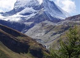 Švýcarskem za bernardýny, nejvyšší horou a ledovcem 2020 Alsasko Švýcarsko - Matterhorn, 4478 m vysoký