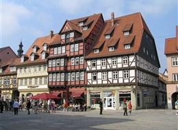 Německo - Harz - Quedlinburg, hrázděné domy na Marktpatzu