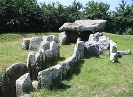 Normanské ostrovy Jersey a Guernsey 2020  Anglie - Jersey - St.Martin, dolmen La Pouquelaye de Faldouet