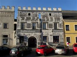 Znojmo, NP Podyjí, příroda, zámky a víno (s výletem do Rakouska)  Rakousko - Gmünd - náměstí s renesančními domy