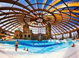 Maďarsko - Budapešť - Aquaworld, centrální hala
