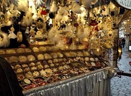 Německo - Norimberk - bohatá nabídka na Christkindlesmarktu