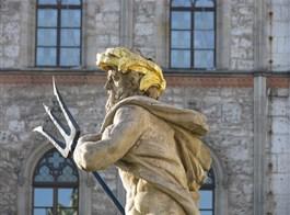 Cibulový festival ve Výmaru a nezapomenutelný Erfurt 2021  Německo - Výmar - Neptun před radnicí