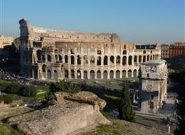 Řím, Capri, Neapol, Pompeje, Amalfi s koupáním 2020 Řím Itálie - Řím - Kolosseum a Konstantinův vítězný oblouk