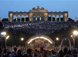 Rakousko - Vídeň - noční koncert Vídeňské filharmonie 2012