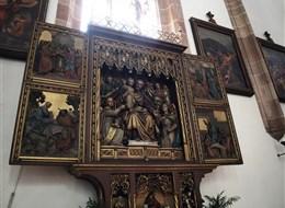 Od palem po třitisícové vrcholy 2021 Alpy Itálie - Merano, gotický oltář v katedrále