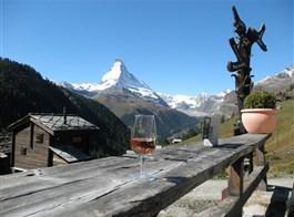Ochutnávka Švýcarska s termály a turistikou 2020  Švýcarsko - na trase Gourmetweg lze kombinovat výhledy, víno, dobrou krmi i krásnou přírodu do lahodného kokteilu zážitků
