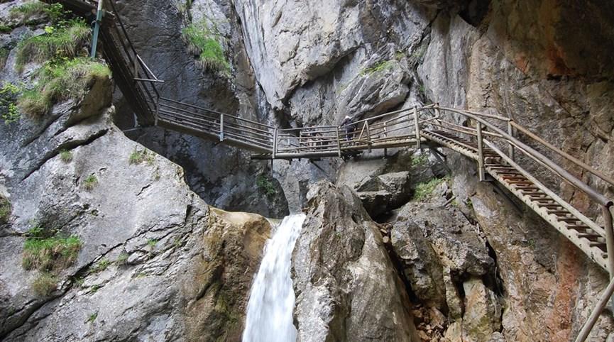 Rakouské soutěsky, kaňony a vodopády 2021  Rakousko - Medvědí soutěska, skály a voda