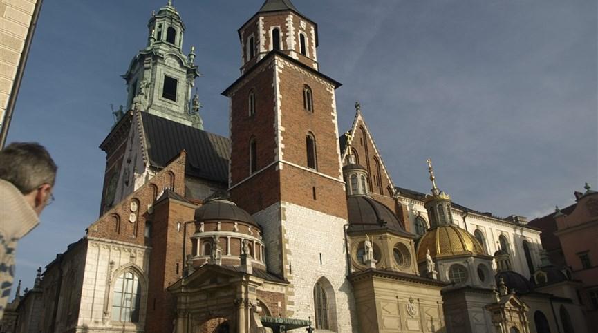 Krakov, město králů, Vělička a památky UNESCO, Olomouc 2021  Polsko - Krakov - Wawel, Polsko - Krakow - katedrála původně románská, 1320-64 goticky přestavěna, později barokizována