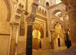 Španělsko - Andalusie - Cordoba. Mezquita, mihráb (modlitební výklenek) původně uchovával pozlacený korán
