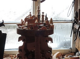 Seiffen, advent ve městě hraček a betlémů 2020  Německo - Seiffen - v dílně jednoho z výrobců hraček