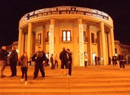 Wroclaw, Budyšín, adventní trhy 2020 Slezsko Polsko - Vratislav (Wroclaw) - Hala století, 1911-13, architekt Max Berg, od 2006 památka UNESCO, nejstarší modernistická železobetonová stavba světa