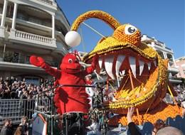 Karneval květů v Nice a festival citrusů v Mentonu 2020 Benátky a okolí Francie - Menton - Corsi des Fruits d´Or, hele humr a zubatá ryba a všechno z citrusů