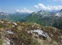 Lechtalské údolí s kartou 2021 Alpy Rakousko - na vrcholu Rüfikopf a desítky vrcholů na všechny strany