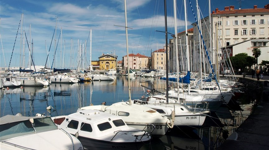 Velikonoce ve Slovinsku a mořské lázně Laguna 2021  Slovinsko - Piran - přístav, moře, jachty a romantická dovolená