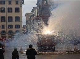 Itálie - Florencie - slavnost Scoppio, v základu pohanská slavnost s prosbou o dobrou úrodu a zaháněním zla - foto J+J.Hlavskovi