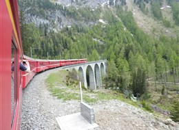 Švýcarské Alpy a horský vláček Bernina Express 2020 severní Švýcarsko Švýcarsko - Bernina Expres