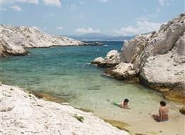 Pohodová levandulová Provence i za gastronomií a vínem 2022 Provence Francie - Provence - Île de Pomègues, pláž právě jen pro dva
