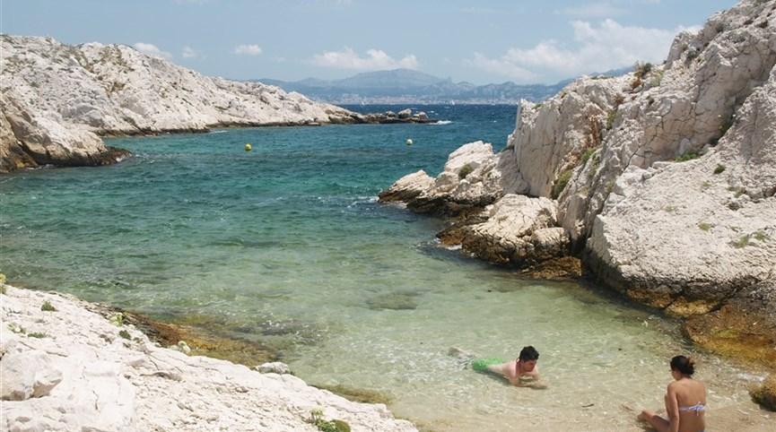 Pohodová levandulová Provence i za gastronomií a vínem 2021  Francie - Provence - Île de Pomègues, pláž právě jen pro dva