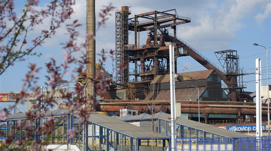 Sedm divů Slezska vlakem 2021  Česká republika - Ostrava - areál Vysokých pecí je typickou industriální architekturou (foto L.Zedníček)
