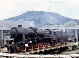 Rakousko - Semmeringbahn - při slav. příložitostech lze vidět tuhle (Wiki-H.Ortner)