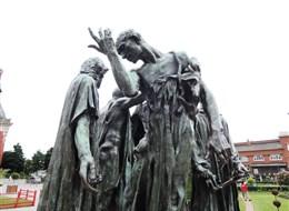 Francie - Pikardie - Občané z Callais, existuje 12 odlitků sousoší, např. v Londýně, Paříži (muzeum Rodin,..