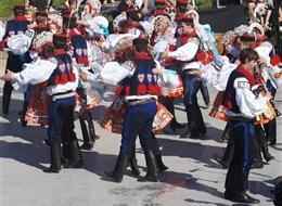 Slovácké slavnosti vína a otevřených památek 2020 Jižní Čechy Česká republika - Slovácké slavnosti - nesmí chybět taneční soubory