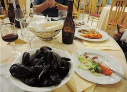 Itálie - Sicílie - pro sicilskou kuchyni jsou typické i škeble