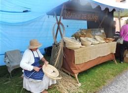 Selské slavnosti v Holašovicích 2020 Jižní Čechy Česká republika - Holašovice, selské slavnosti prezentují mnohá stará řemesla