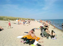 Štětín, Gdaňsk, Toruň a Hel, perly UNESCO 2020 Polsko Polsko - Słowiński Park - voda Baltu není nijak moc teplá, ale v horkém létě je tu koupání příjemné (foto Dan Trnka)