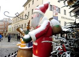 Advent v Krušnohoří, Manufaktura snů a Bergparade 2020 Krušné hory Německo - Annaberg - Weihnachtsmarkt.