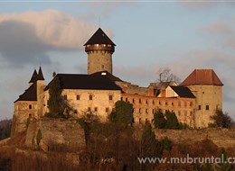 Bruntálsko, přírodní skvosty v srdci Slezska 2020 Česká republika Česká republika - Bruntálsko - hrad Sovinec (MIC Bruntál)