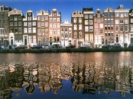Krásy Holandska, květinové korzo a slavnost sýrů 2021  Holandsko - Amsterdam - země grachtů, obchodu, starých mistrů a jejich obrazů, kupeckých domů a to vše se odráží v duši místních lidí i na hladině kanálů