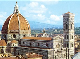 Florencie, Siena, Lucca -  poklady Toskánska letecky 2020 Florencie Itálie - Florencie - dóm, jeden  ze skvostů středověké architektury, 1296-1468, několik architektů včetně Giotta