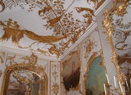 Berlín, město umění, historie i budoucnosti a Postupim 2021 Berlín Německo - Postupim, interiér zámečku Sanssouci