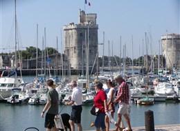 Bordeaux a Akvitánie, památky, víno a vlny Atlantiku 2022 Akvitánie Francie, Atlantik, La Rochelle