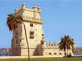 Portugalsko, země mořeplavců, vína a památek 2021  Portugalsko - Lisabon - Belémská věž (Torre de Belém), 1515-21 na paměť výpravy Vasco de Gamy v manuelském stylu