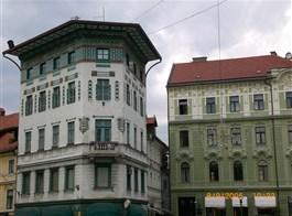 Babí léto, tajemné jeskyně Slovinska a Itálie, víno a mořské lázně Laguna 2020  Slovinsko - Lublaň, náměstí se secesními domy