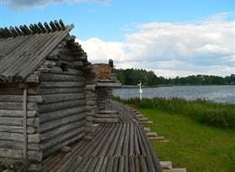 Pobaltí - Lotyšsko - NP Gauja, vesnice Araiši