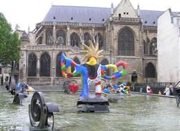 Paříž, Disneyland 2021  Francie - Paříž, kostel St. Mary a Stravinského kašna, 1983, J.Tinguely a N.de Saint Phalle, má vyjadřovat Stravinského hudbu