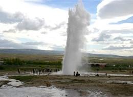 Island, velký turistický a poznávací okruh 2020  Island, gejzír