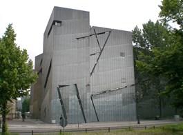 Berlín a večerní slavnost světel 2020  Německo, Berlín, Židovské muzeum