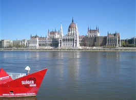 Budapešť, Mosonmagyaróvár, víkend s termály 2020  Maďarsko v- Budapešť - novogotický parlament, postaven na přelomu 19. a 20.století, 691 místností